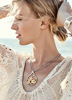 Woman wearing Sea Dreamer Convertible Necklace