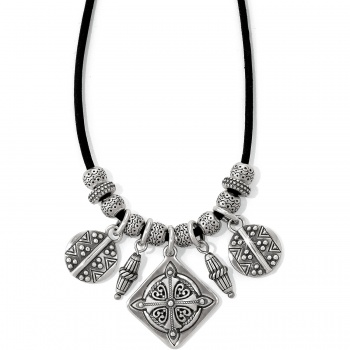 Paseo Short Necklace